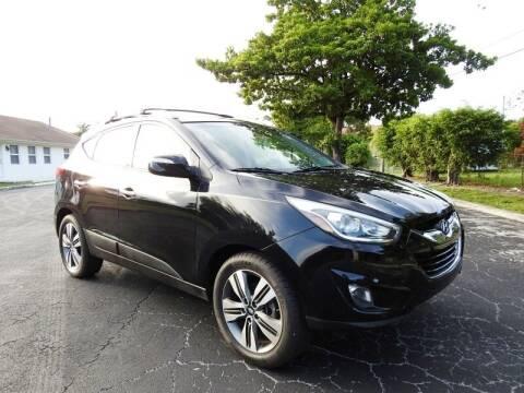 2014 Hyundai Tucson for sale at SUPER DEAL MOTORS 441 in Hollywood FL