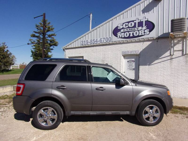 2009 Ford Escape for sale at SCOTT FAMILY MOTORS in Springville IA