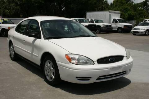 2007 Ford Taurus for sale at Mike's Trucks & Cars in Port Orange FL