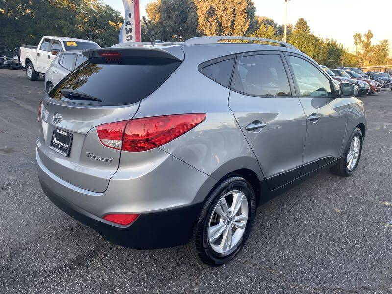 2013 Hyundai Tucson GLS 4dr SUV - La Crescenta CA