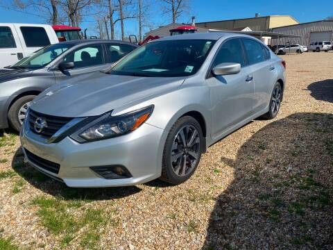2017 Nissan Altima for sale at Community Auto Specialist in Gonzales LA