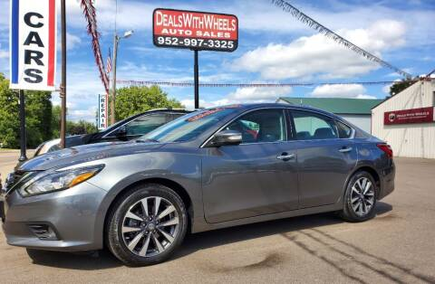 2017 Nissan Altima for sale at Dealswithwheels in Inver Grove Heights MN