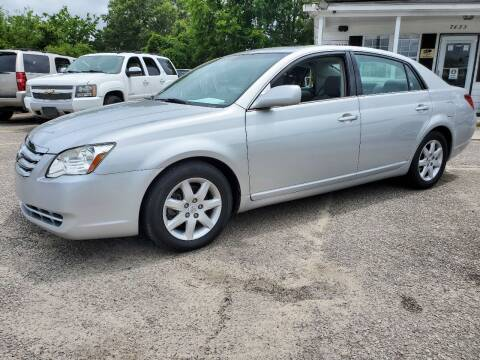 2005 Toyota Avalon for sale at Rodgers Enterprises in North Charleston SC