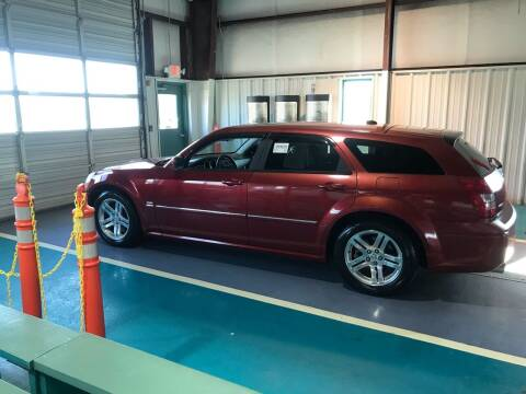 2005 Dodge Magnum for sale at Knoxville Wholesale in Knoxville TN