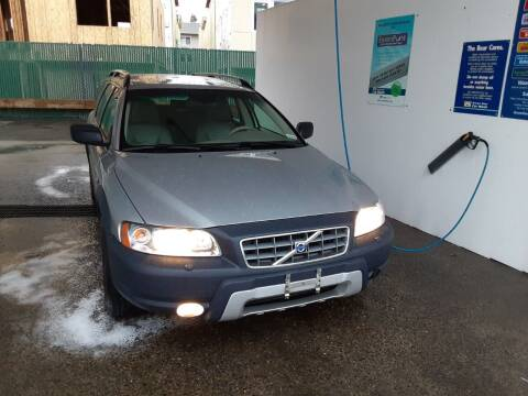 2005 Volvo XC70 for sale at METROPOLITAN MOTORS in Kirkland WA