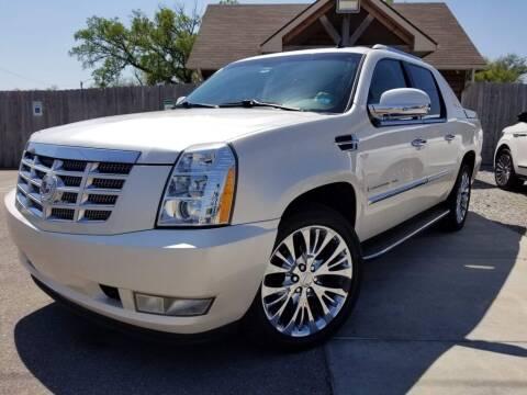 2008 Cadillac Escalade EXT for sale at Farha Used Cars in Wichita KS