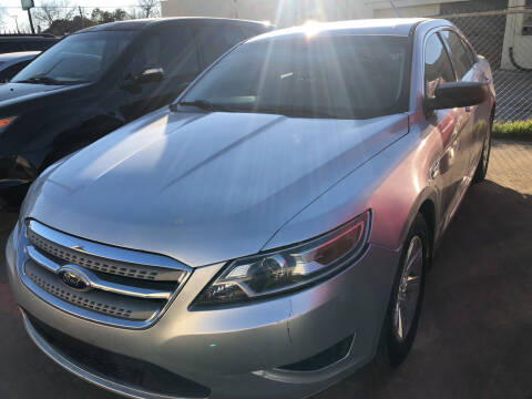 2011 Ford Taurus for sale at Auto Access in Irving TX