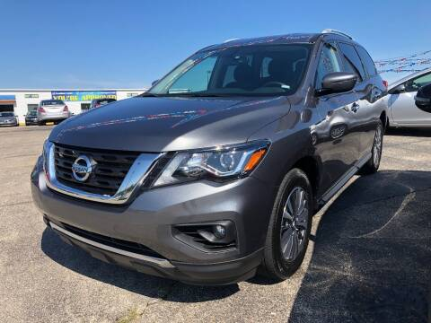 2019 Nissan Pathfinder for sale at Greg's Auto Sales in Poplar Bluff MO