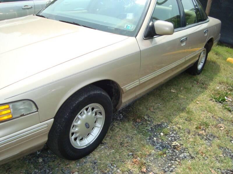 1997 Ford Crown Victoria for sale at Branch Avenue Auto Auction in Clinton MD