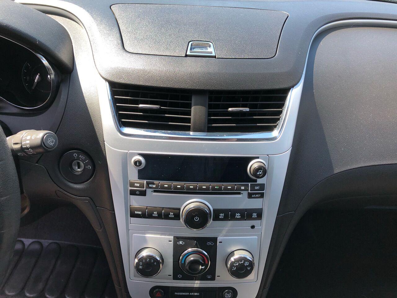 2010 Chevrolet Malibu 4dr Car