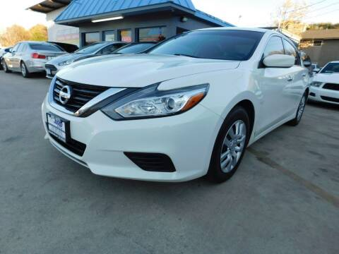 2016 Nissan Altima for sale at AMD AUTO in San Antonio TX