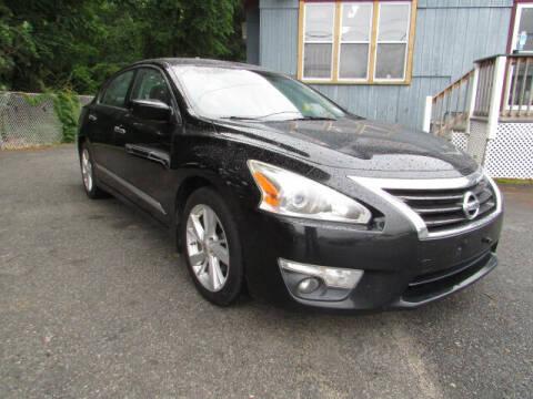 2015 Nissan Altima for sale at Auto Outlet Of Vineland in Vineland NJ