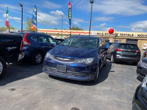 2017 Chrysler Pacifica for sale at Western Star Auto Sales in Chicago IL