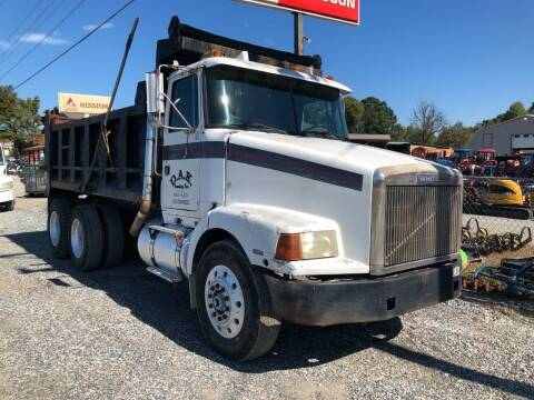 1987 Volvo Tandem Axle Dump Truck for sale at Vehicle Network - Joe's Tractor Sales in Thomasville NC