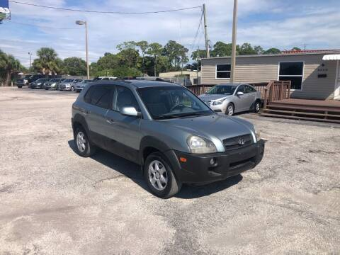 2005 Hyundai Tucson for sale at Friendly Finance Auto Sales in Port Richey FL