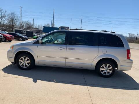 2009 Chrysler Town and Country for sale at Elite Auto Plaza in Springfield IL