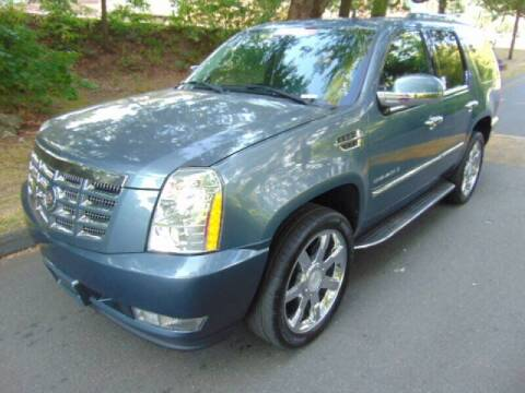 2008 Cadillac Escalade for sale at Lakewood Auto in Waterbury CT