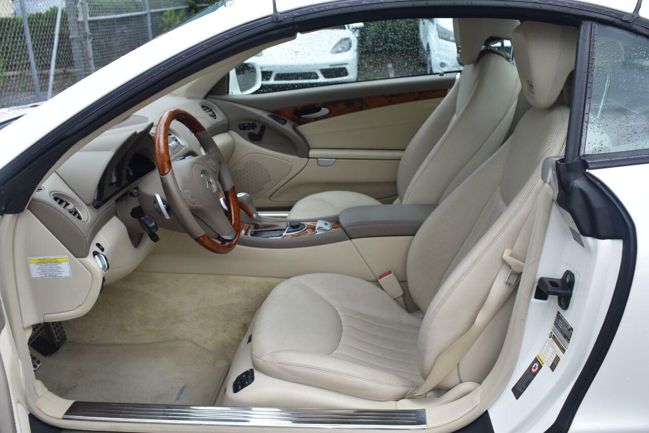 2011 Mercedes-Benz SL-Class SL 550 2dr Convertible full