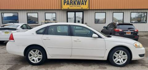 2007 Chevrolet Impala for sale at Parkway Motors in Springfield IL