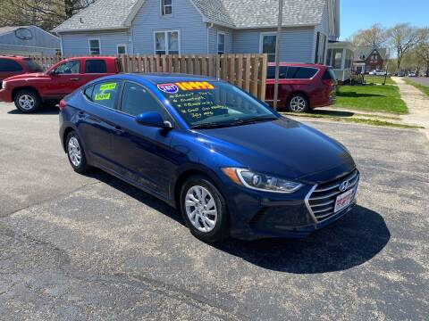 2017 Hyundai Elantra for sale at PEKIN DOWNTOWN AUTO SALES in Pekin IL