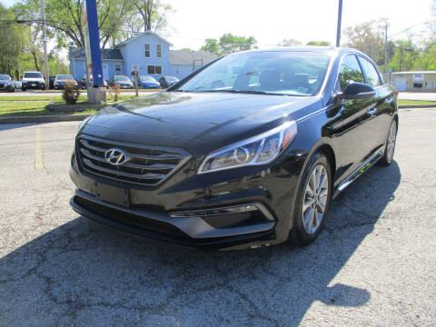 2017 Hyundai Sonata for sale at Triangle Auto Sales in Elgin IL
