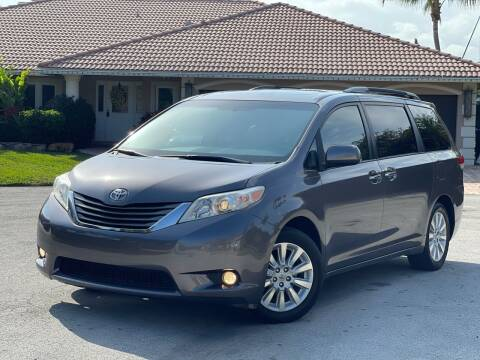 2013 Toyota Sienna for sale at Citywide Auto Group LLC in Pompano Beach FL