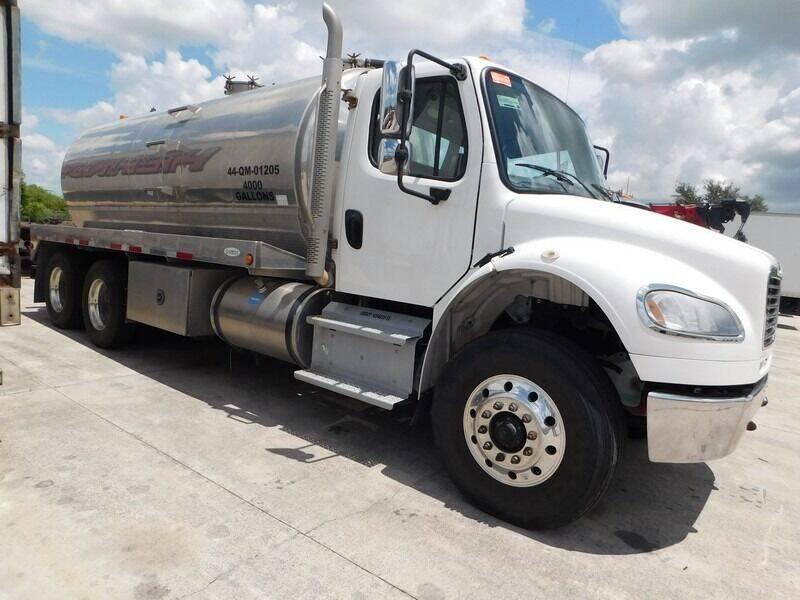 2018 Freightliner M2 106 for sale in Groveland, FL