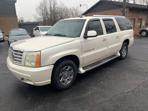 2004 Cadillac Escalade ESV for sale at Superior Used Cars Inc in Cuyahoga Falls OH