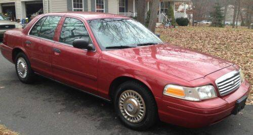 2000 Ford Crown Victoria for sale at Glory Auto Sales LTD in Reynoldsburg OH