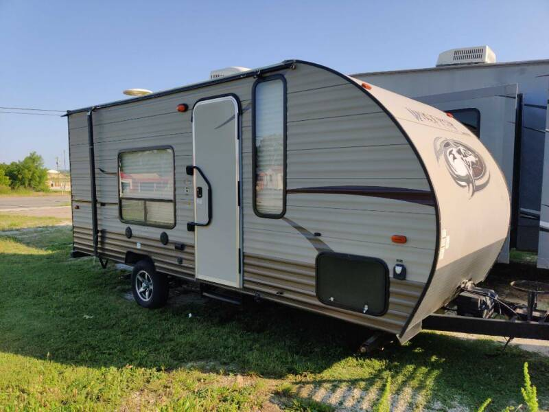 2016 Forest River WOLF PUP 16FQ for sale at Texas RV Trader in Cresson TX