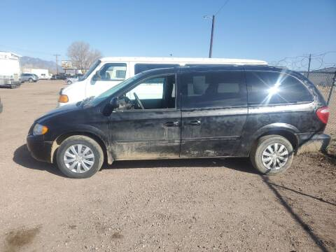2005 Chrysler Town and Country for sale at PYRAMID MOTORS - Fountain Lot in Fountain CO