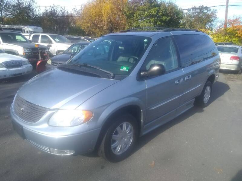 2004 Chrysler Town and Country for sale at Wilson Investments LLC in Ewing NJ