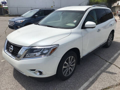 2016 Nissan Pathfinder for sale at East Memphis Auto Center in Memphis TN