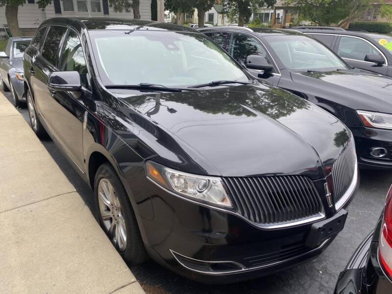 2013 Lincoln MKT for sale at CLASSIC MOTOR CARS in West Allis WI
