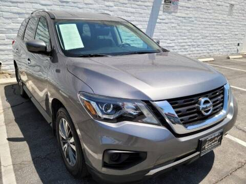 2017 Nissan Pathfinder for sale at ADVANTAGE AUTO SALES INC in Bell CA