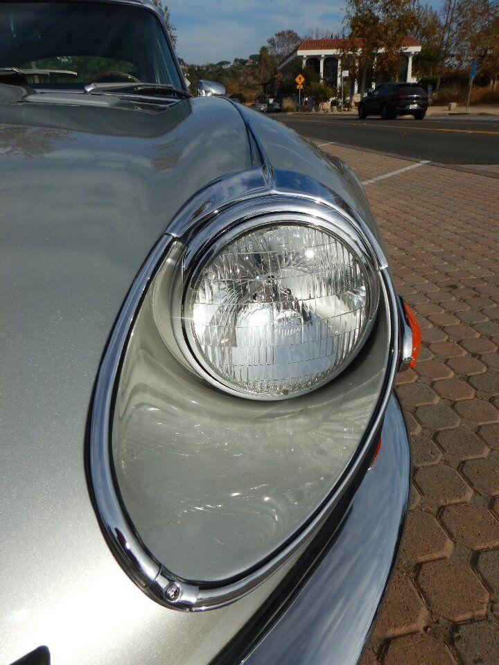 1973 Jaguar XKE 24