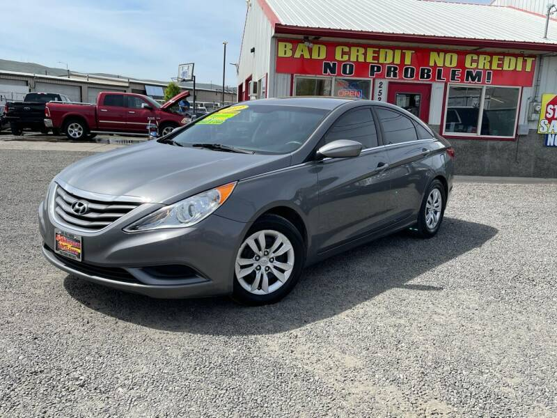 2013 Hyundai Sonata for sale at Yaktown Motors in Union Gap WA