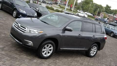 2013 Toyota Highlander for sale at Cars-KC LLC in Overland Park KS