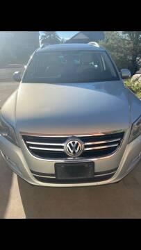 2011 Volkswagen Tiguan for sale at Borrego Motors in El Paso TX