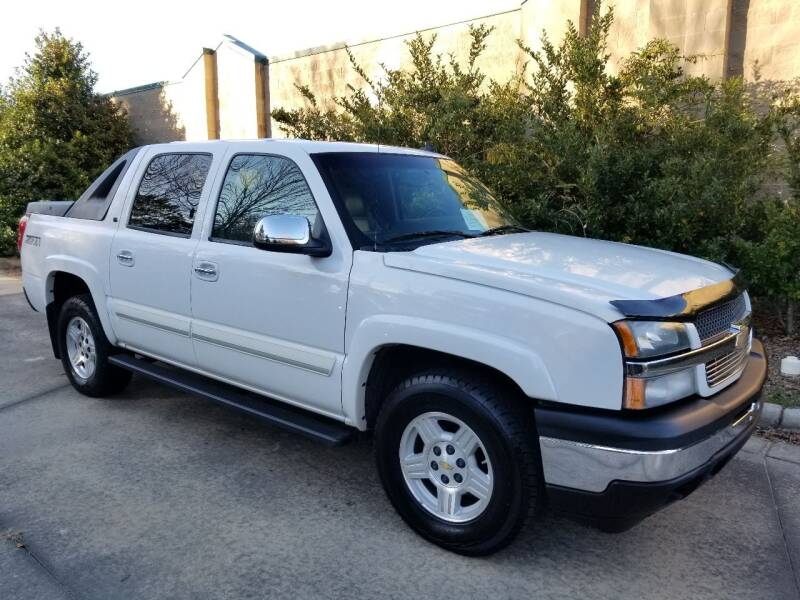 2006 Chevrolet Avalanche for sale at Hollingsworth Auto Sales in Wake Forest NC