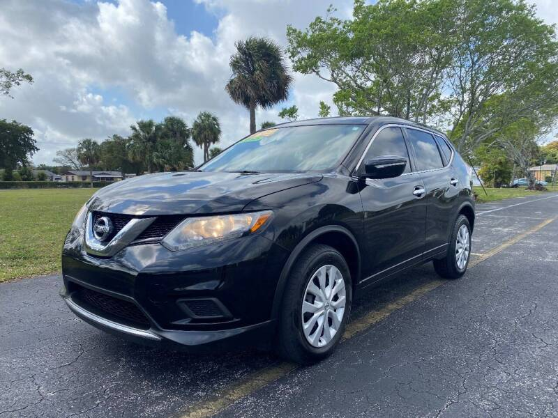 2015 Nissan Rogue for sale at Lamberti Auto Collection in Plantation FL