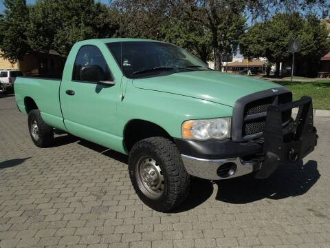 2005 Dodge Ram Pickup 2500 for sale at Family Truck and Auto.com in Oakdale CA