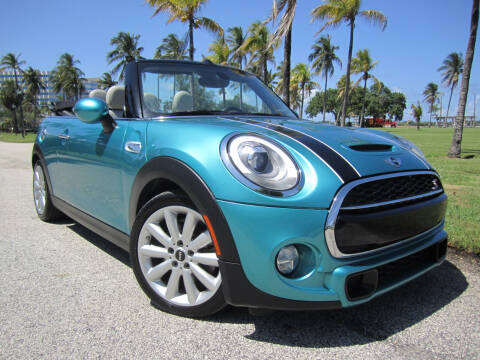 2016 MINI Convertible for sale at FLORIDACARSTOGO in West Palm Beach FL