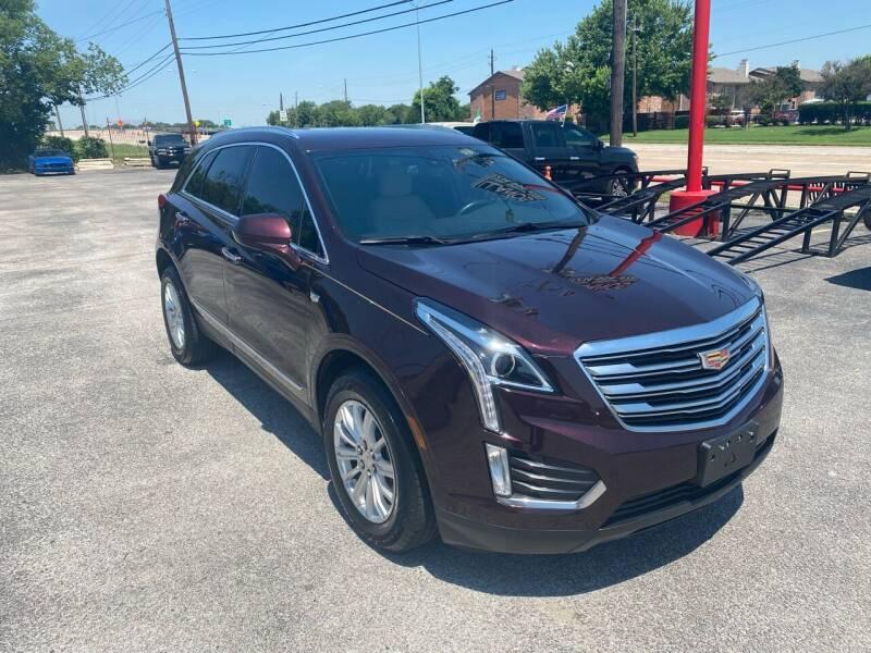 2017 Cadillac XT5 for sale at LLANOS AUTO SALES LLC - LEDBETTER in Dallas TX