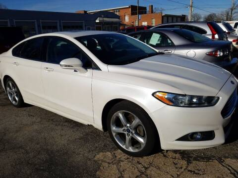 2014 Ford Fusion for sale at Best Deal Motors in Saint Charles MO