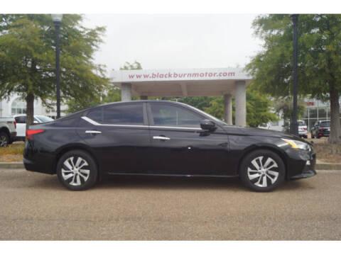 2019 Nissan Altima for sale at BLACKBURN MOTOR CO in Vicksburg MS