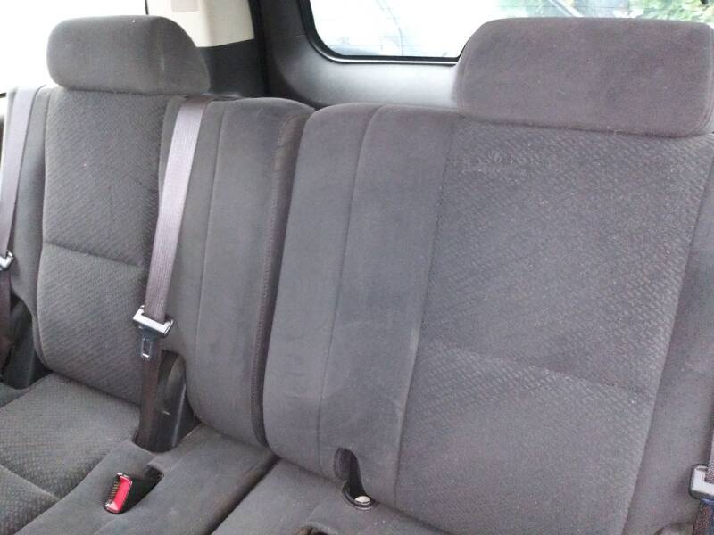 2007 Chevrolet Suburban for sale at Ody's Autos in Houston TX