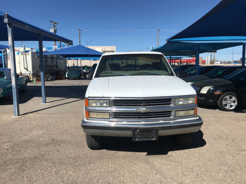 1998 Chevrolet C/K 2500 Series for sale at Autos Montes in Socorro TX