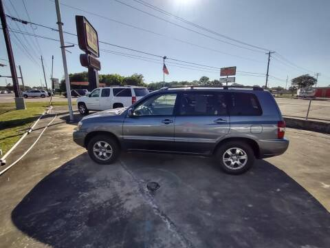2006 Toyota Highlander for sale at BIG 7 USED CARS INC in League City TX