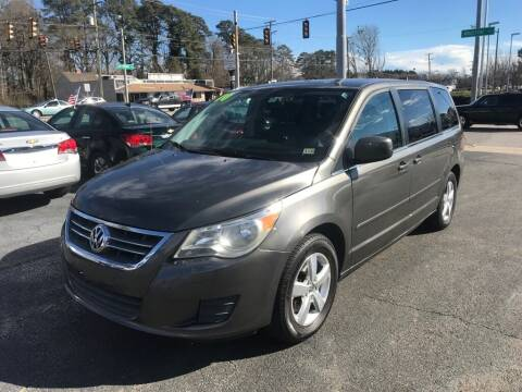 2010 Volkswagen Routan for sale at Dad's Auto Sales in Newport News VA